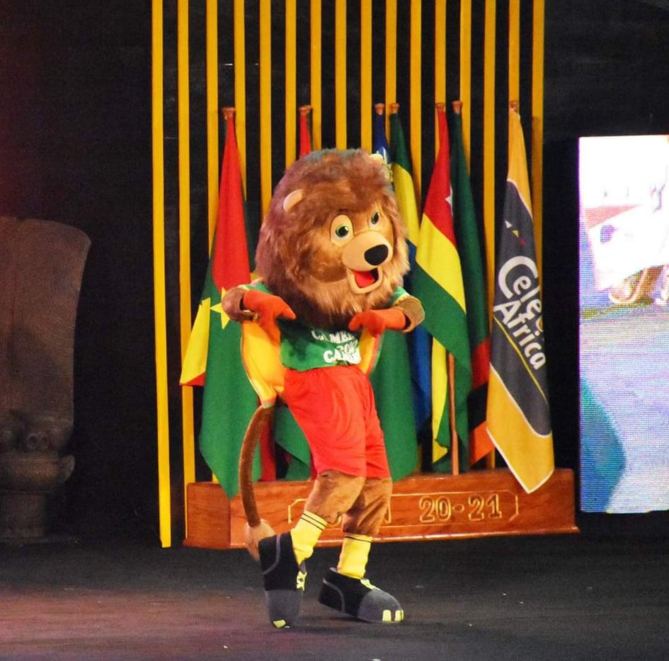 Prestation de la Tara lors de la cérémonie de tirage au sort du CHAN 2020